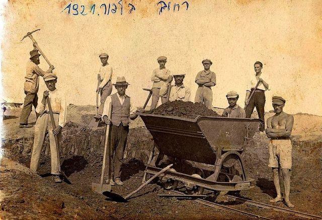 Balfur st-Tel-Aviv-1921_Immigration_to_Israel