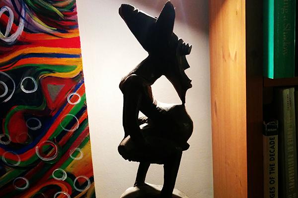 פסלון של אליל שדוני שהגיע לארצנו מאפריקה